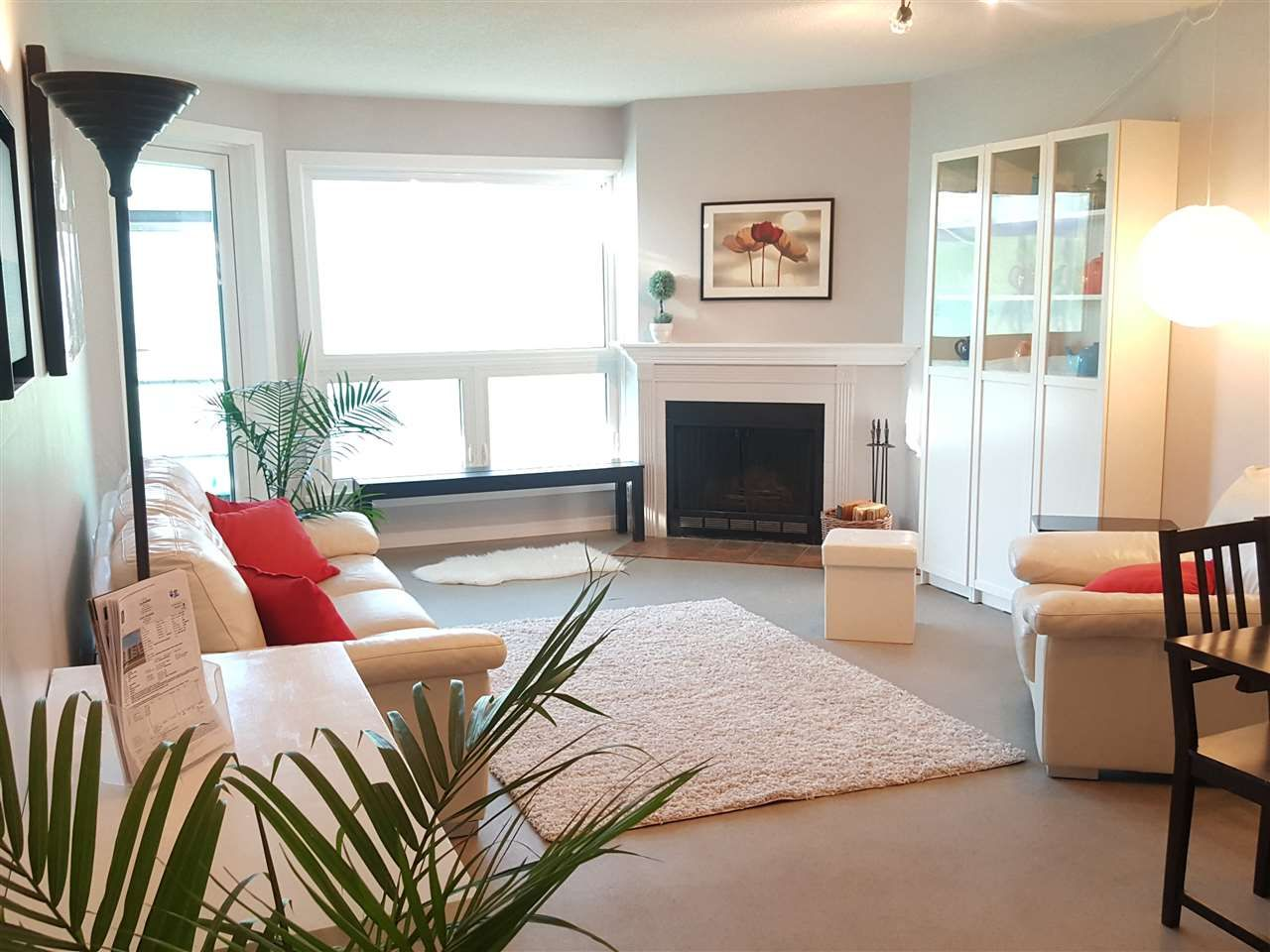 Main Photo: 203 607 E 8TH AVENUE in Vancouver: Mount Pleasant VE Condo for sale (Vancouver East)  : MLS®# R2374774