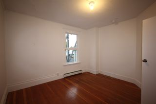 Photo 11: 624 E 11TH Avenue in Vancouver: Mount Pleasant VE House for sale (Vancouver East)  : MLS®# R2413732