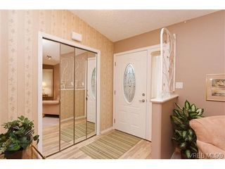 Photo 3: 97 7570 Tetayut Rd in SAANICHTON: CS Hawthorne Manufactured Home for sale (Central Saanich)  : MLS®# 636903