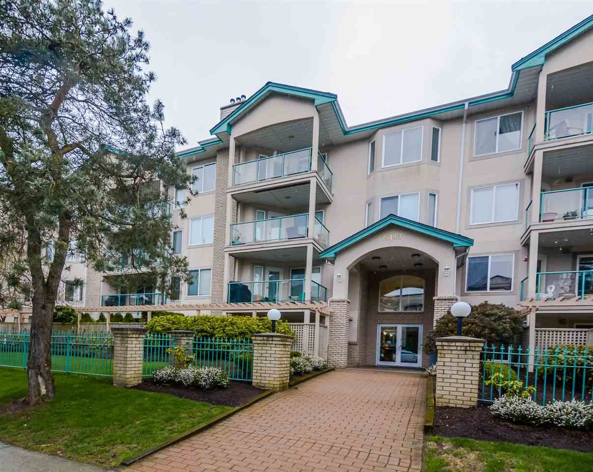 """Main Photo: 407 20443 53 Avenue in Langley: Langley City Condo for sale in """"COUNTRY SIDE ESTATES"""" : MLS®# R2150486"""