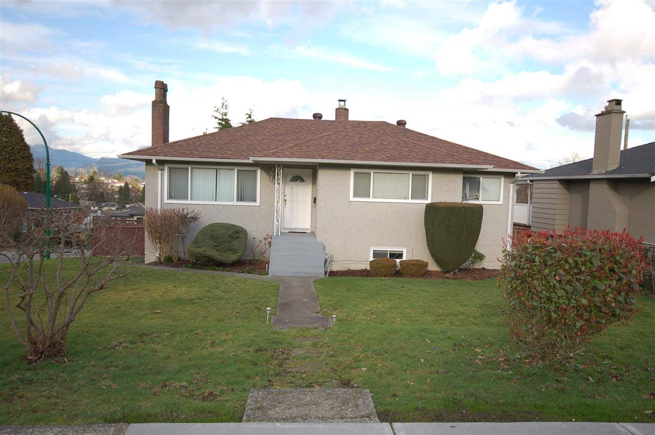 Main Photo: 4245 HAZELWOOD CRESCENT in Burnaby: Garden Village House for sale (Burnaby South)  : MLS®# R2035246