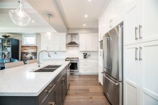 Photo 12: 15498 RUSSELL Avenue: White Rock House for sale (South Surrey White Rock)  : MLS®# R2568948