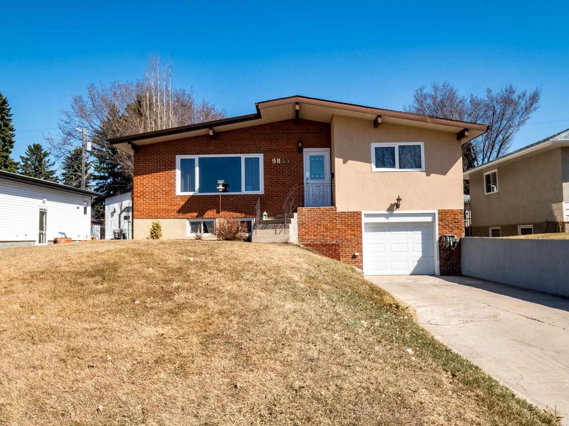 Main Photo: 9835 74 Street in Edmonton: Zone 19 House for sale : MLS®# E4248699