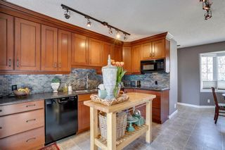 Photo 2: 436 38 Street SW in Calgary: Spruce Cliff Detached for sale : MLS®# A1091044