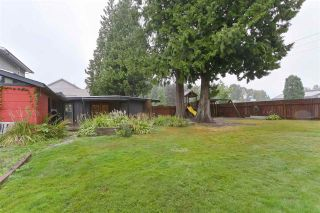 Photo 3: 1845 SUTHERLAND Avenue in North Vancouver: Boulevard House for sale : MLS®# R2403280