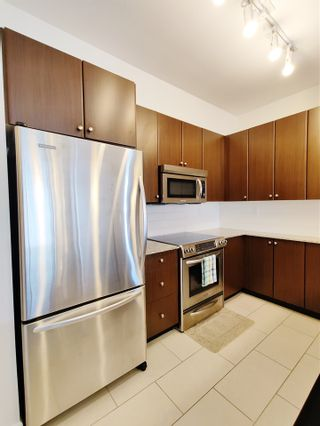 """Photo 4: 205 275 ROSS Drive in New Westminster: Fraserview NW Condo for sale in """"The Grove at Victoria Hill"""" : MLS®# R2541470"""