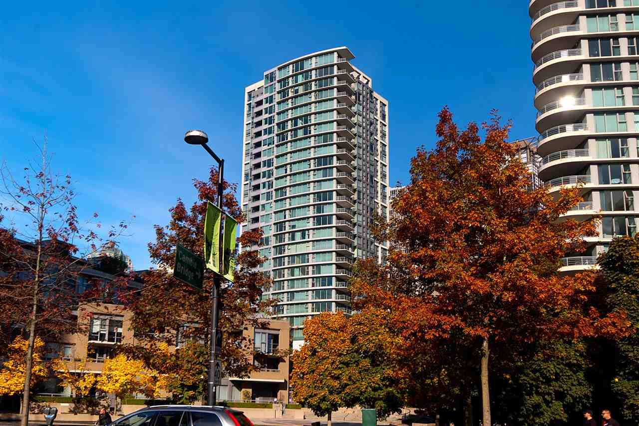 Main Photo: 2001 1008 CAMBIE STREET in Vancouver: Yaletown Condo for sale (Vancouver West)  : MLS®# R2217293