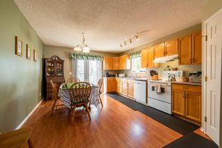 Photo 9: 16408 81 Street in Edmonton: Zone 28 House for sale : MLS®# E4251960