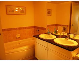 """Photo 6: 802 5933 COONEY Road in Richmond: Brighouse Condo for sale in """"JADE"""" : MLS®# V795964"""