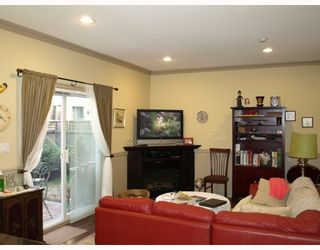 "Photo 3: 16 7071 BRIDGE Street in Richmond: McLennan North Townhouse for sale in ""CASAMORA"" : MLS®# V781654"