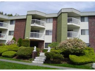 """Photo 1: 301 327 9TH Street in New Westminster: Uptown NW Condo for sale in """"KENNEDY MANOR"""" : MLS®# V831845"""
