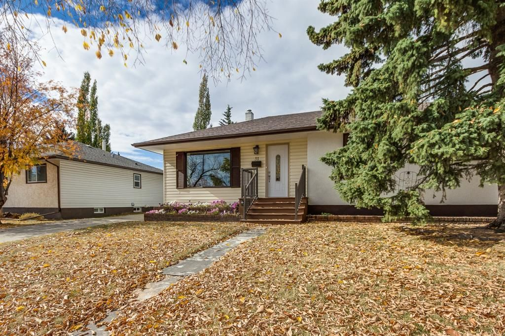Main Photo: 31 Galway Crescent SW in Calgary: Glamorgan Detached for sale : MLS®# A1041053