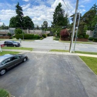 Photo 3: 3392 HASTINGS Street in Port Coquitlam: Woodland Acres PQ House for sale : MLS®# R2590842