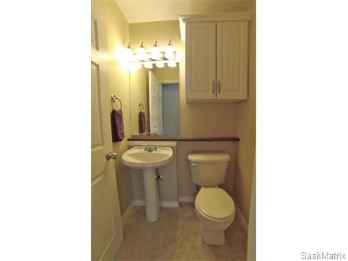 Photo 13: Photos: 606 Forsyth Crescent in Saskatoon: Erindale Single Family Dwelling for sale (Saskatoon Area 01)  : MLS®# 568828