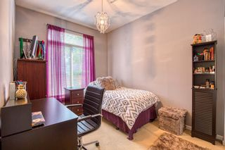 "Photo 13: 10180 153 Street in Surrey: Guildford Condo for sale in ""Charlton Park"" (North Surrey)  : MLS®# R2388907"