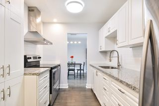 """Photo 3: 208 1740 SOUTHMERE Crescent in Surrey: Sunnyside Park Surrey Condo for sale in """"CAPSTAN WAY"""" (South Surrey White Rock)  : MLS®# R2234787"""