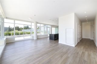 """Photo 3: 702 768 ARTHUR ERICKSON Place in West Vancouver: Park Royal Condo for sale in """"EVELYN - Forest's Edge PENTHOUSE"""" : MLS®# R2549644"""
