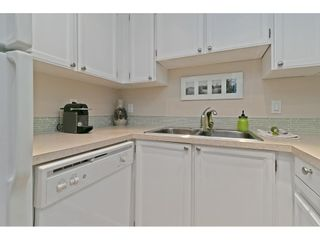 """Photo 10: 101 1341 GEORGE Street: White Rock Condo for sale in """"Oceanview"""" (South Surrey White Rock)  : MLS®# R2600581"""