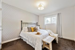 Photo 16: 143 Capri Avenue NW in Calgary: Charleswood Detached for sale : MLS®# A1143044