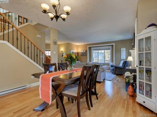 Photo 12: 2001 Duggan Pl in VICTORIA: La Bear Mountain House for sale (Highlands)  : MLS®# 811610
