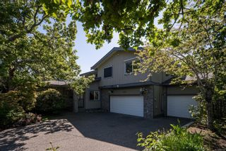 Photo 3: 4381 Wildflower Lane in : SE Broadmead House for sale (Saanich East)  : MLS®# 861449