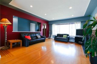 Photo 3: 4136 GILPIN Crescent in Burnaby: Garden Village House for sale (Burnaby South)  : MLS®# R2298190