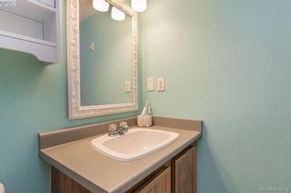 Photo 13: 201 290 Regina Ave in VICTORIA: SW Tillicum Condo for sale (Saanich West)  : MLS®# 829254
