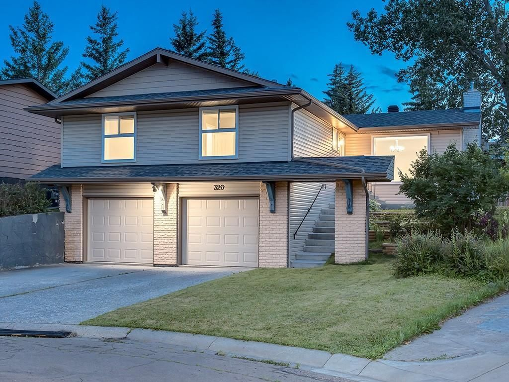 Main Photo: 320 CANNIFF Place SW in Calgary: Canyon Meadows Detached for sale : MLS®# A1080167