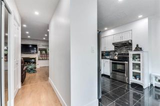 """Photo 5: 4687 GARDEN GROVE Drive in Burnaby: Greentree Village Townhouse for sale in """"Greentree Village"""" (Burnaby South)  : MLS®# R2589721"""