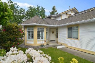 """Photo 2: 25 21138 88 Avenue in Langley: Walnut Grove Townhouse for sale in """"SPENCER GREEN"""" : MLS®# R2582937"""
