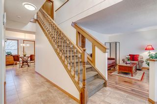 Photo 12: 239 Douglasbank Drive SE in Calgary: Douglasdale/Glen Detached for sale : MLS®# A1050993