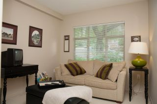 """Photo 10: 305 2059 CHESTERFIELD Avenue in North Vancouver: Central Lonsdale Condo for sale in """"Ridge Park Gardens"""" : MLS®# R2076496"""