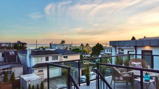 """Photo 2: 15580 COLUMBIA Avenue: White Rock House for sale in """"White Rock"""" (South Surrey White Rock)  : MLS®# R2599459"""