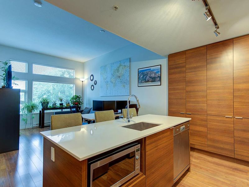 FEATURED LISTING: 506 - 1677 LLOYD Avenue North Vancouver