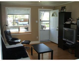 Photo 2: 519 TREMBLAY Street in WINNIPEG: St Boniface Residential for sale (South East Winnipeg)  : MLS®# 2808362