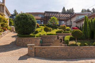 Photo 2: 960 LEYLAND Street in West Vancouver: Sentinel Hill House for sale : MLS®# R2622155