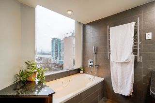 """Photo 20: 1606 1065 QUAYSIDE Drive in New Westminster: Quay Condo for sale in """"Quayside Tower II"""" : MLS®# R2539585"""