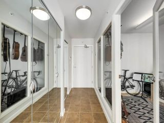 """Photo 13: 2305 1077 MARINASIDE Crescent in Vancouver: Yaletown Condo for sale in """"MARINASIDE RESORT"""" (Vancouver West)  : MLS®# R2544520"""