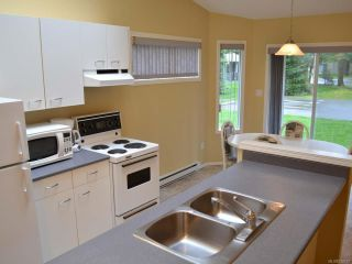 Photo 5: 9 1135 Resort Dr in PARKSVILLE: PQ Parksville Row/Townhouse for sale (Parksville/Qualicum)  : MLS®# 720079