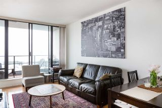 """Photo 6: 1804 151 W 2ND Street in North Vancouver: Lower Lonsdale Condo for sale in """"SKY"""" : MLS®# R2030955"""