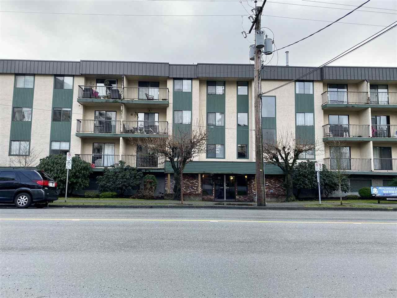 "Main Photo: 204 45744 SPADINA Avenue in Chilliwack: Chilliwack W Young-Well Condo for sale in ""APPLEWOOD"" : MLS®# R2431203"