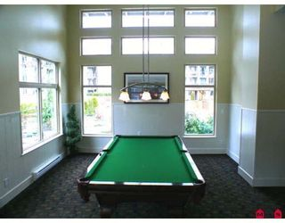 """Photo 9: 105 10180 153RD Street in Surrey: Guildford Condo for sale in """"CHARLTON PARK"""" (North Surrey)  : MLS®# F2919403"""