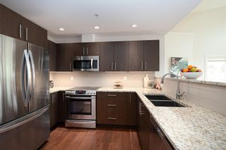 Photo 3: 303 2415 Amherst Ave in : Si Sidney North-East Condo for sale (Sidney)  : MLS®# 874333