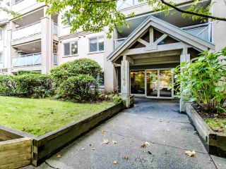 """Photo 21: 402 15140 29A Avenue in Surrey: King George Corridor Condo for sale in """"The Sands"""" (South Surrey White Rock)  : MLS®# R2510345"""