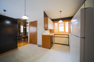 Photo 11: 6219 Louise Road SW in Calgary: Lakeview Detached for sale : MLS®# A1064256