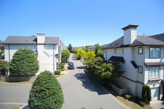 """Photo 4: 76 20540 66 Avenue in Langley: Willoughby Heights Townhouse for sale in """"Amberleigh"""" : MLS®# R2390320"""
