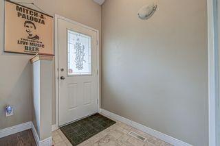 Photo 5: 871 Riverbend Drive SE in Calgary: Riverbend Detached for sale : MLS®# A1151442