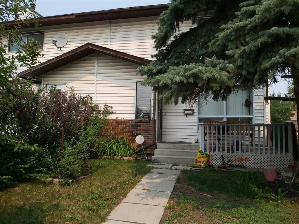 Main Photo: 25 Templehill Place NE in Calgary: Temple Semi Detached for sale : MLS®# A1152305