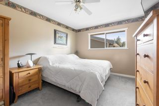 """Photo 15: 34558 KENT Avenue in Abbotsford: Abbotsford East House for sale in """"CLAYBURN / STENERSEN"""" : MLS®# R2621600"""