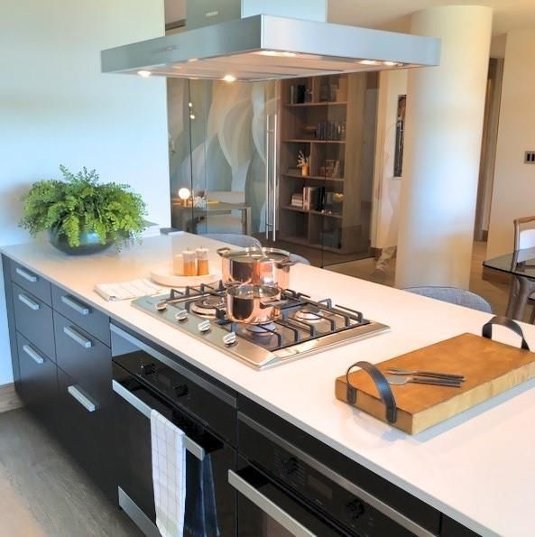 Photo 12: Photos: 607 738 1 Avenue SW in Calgary: Eau Claire Apartment for sale : MLS®# C4272230
